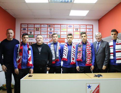 Петорица играча из омладинске школе потписали професионалне уговоре